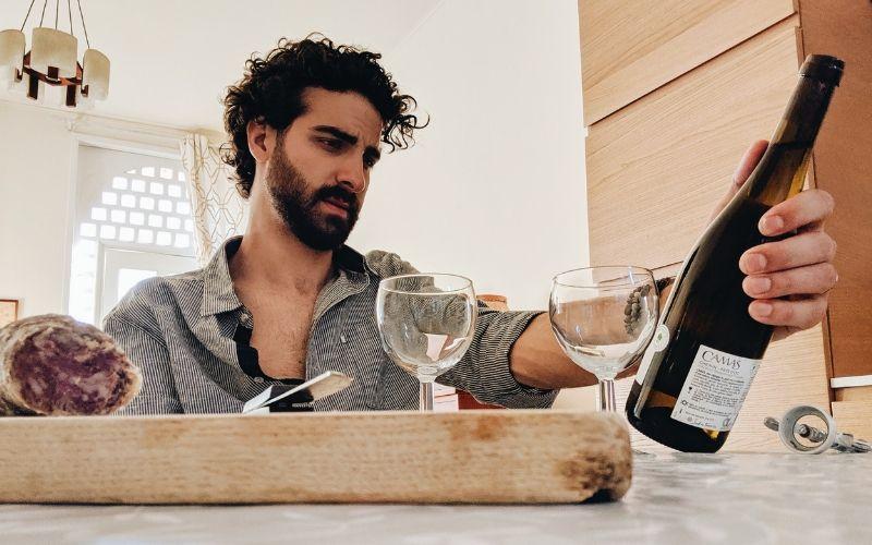 Na taça: como entender as descrições dos vinhos