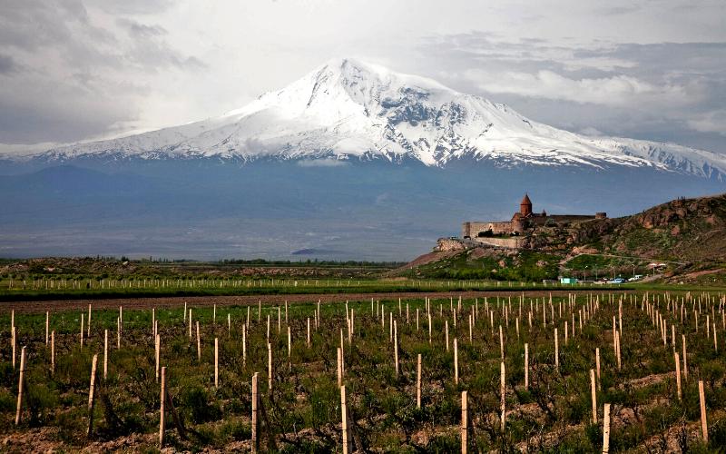 Lugares do mundo que produzem vinhos top e que (quase) ninguém sabe sequer onde ficam